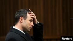 皮斯托利斯在比勒陀利亞的法庭上 (2014年7月8日)