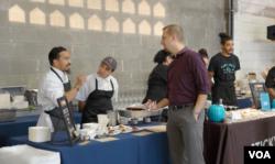 10월 '가정폭력방지의 달'을 맞아 워싱턴 DC에서 유명 요리사들이 가정 폭력 인식 도모와 피해 지원을 위한 기금 모금 행사에 참석했다.