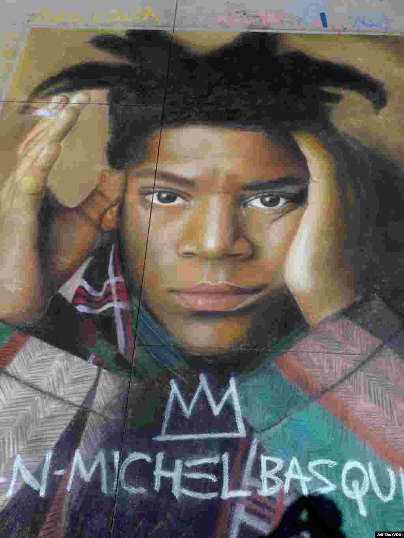 已故涂鸦画家巴斯奇亚的肖像赢得第一名(美国之音国符拍摄)