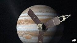 """美国航空航天局的画图:""""朱诺号""""探测器和木星"""
