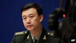 中国国防部发言人吴谦大校2017年7月24日主持记者会(美联社)
