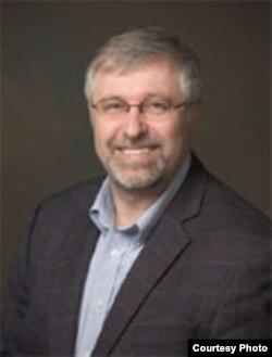 美国罗格斯大学食品科学系教授沙夫纳(本人提供)