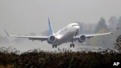 이륙하고 있는 '유나이티드 에어라인' 소속 보잉 737 맥스. (자료사진)