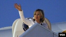 Clinton expresó que Kosovo tiene que mejorar en areas como la educación, salud y otros servicios que sus ciudadanos necesitan.