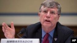 Wakil Menlu AS urusan Manajemen, Patrick Kennedy, termasuk satu dari empat pejabat Deplu AS yang mengundurkan diri (foto: dok).