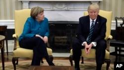 Tổng thống Donald Trump gặp Thủ tướng Đức Angela Merkel tại Tòa Bạch ốc ngày 17/3/2017.