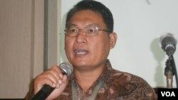 Ketua Lembaga Perlindungan Saksi dan Korban (LPSK) Abdul Haris Semendawai. (VOA/Muliarta)