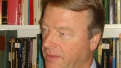 Dr. Andre Thomashausen analisa a onda de xenofobia na África do Sul