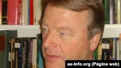 André Thomashausen, professor universitário e analista
