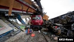 Deux trains sont entrés en collision à la station d'Alfarelos, au Portugal, 22 janvier 2013. (AP Photo / Miguel Teixeira)