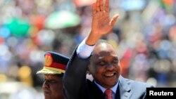 지난 달 케냐 수도 나이로비에서 열린 '영웅의 날' 행사에 참석한 케냐 우후루 케냐타 대통령. (자료사진)