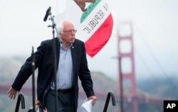 سندرز در یکی از آخرین سخنرانی هایش در سان فرانسیسکو در ایالت کالیفرنیا