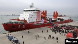 A general view shows Chinese ice breaker ship 'Xuelong' - also called 'Snow Dragon' - docking at Tianjin, November 3, 2011.