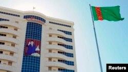 Turkmanistonda biznes qilish siri - prezident ko'ngliga yo'l topish