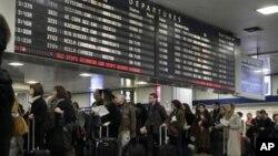 21일 미국 추수감사절 뉴욕시의 펜 스테이션 기차역에 모인 인파.