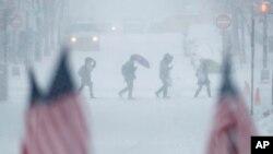 Se espera que las escuelas se mantuvieran cerradas este lunes 12 de febrero.