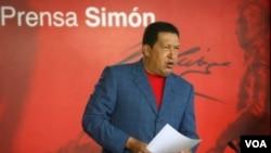 """Chávez dijo que los estadounidenses """"se vuelven locos"""" sin la cocaína."""