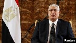 Presiden sementara Mesir Adly Mansour