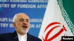 FILE - Menteri Luar Negeri Iran Mohammad Javad Zarif saat berbicara kepada media di Tbilisi, Georgia, 18 April 2017. REUTERS / David Mdzinarishvili