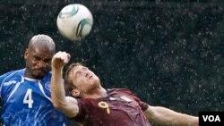 La selección salvadoreña se sobrepuso de un 1-0 para terminar derrotando a la ´vinotinto´por marcador de 2-1.