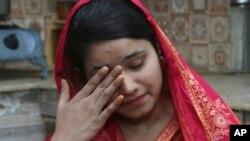 ماهک لیاقت، دختر پاکستانی مسیحی که به عنوان عروس به یک مرد چینی فروخته شده بود.