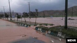 بارندگی شدید سبب بلند رفتن سطح آب و طغیان دریاها در چندین ولایت ایران شده است