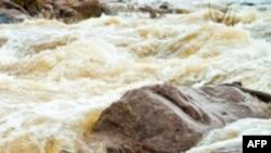 Lũ lụt ngang qua vùng biên giới phía Bắc Malaysia khiến 12.000 người phải di tản