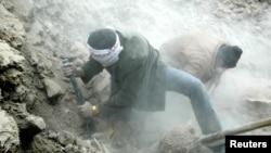 Gempa bumi di Iran selatan dilaporkan menewaskan sedikitnya tujuh orang, Kamis malam, 28 November 2013 (Foto: dok).