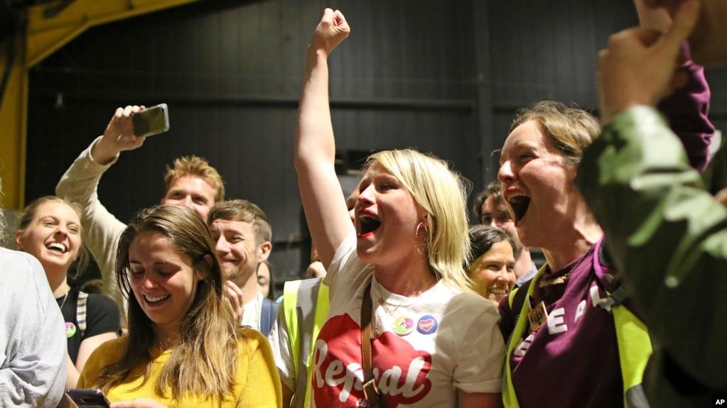 Irlanda voton pro të drejtës për abort