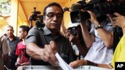 투표를하는 동티모르 제1야당 프레티린당의 프란시스코 구테레스 대통령 후보