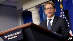 White House press secretary Jay Carney speaks during the daily briefing at the White House in Washington, Aug. 1, 2013.