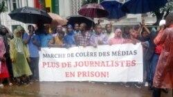 Les journaliste guinéens ont manifesté sous une pluie battante