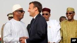 Le président français Emmanuel Macron, en compagnie de chefs d'états du G5 Sahel, le 2 juillet 2018.