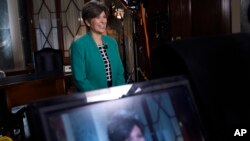 Republican Senator Joni Ernst of Iowa rehearses her remarks for the Republican response to President Barack Obama's State of the Union address in Washington, Jan. 20, 2015.