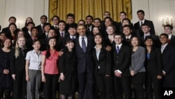 The 40 finalists in the 2011 Intel Science Talent Search met with US President Barack Obama at the White House on March 15, 2011.