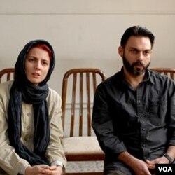 Film Iran yang berjudul 'A Separation' menjadi favorit kuat untuk meraih Oscar untuk katagori film asing terbaik.