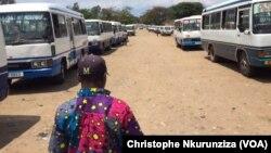 Nouvelles taxes sur les transports, à Bujumbura, Burundi, le 6 novembre 2016. (VOA/Christophe Nkurunziza)
