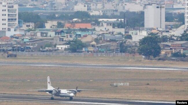 Sân bay Tân Sơn Nhất. Hình minh họa. (REUTERS/Kham)