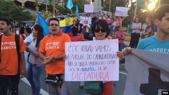 Protestas en la capital de Venezuela, Caracas, generó la decisión de que Corte Suprema asumiera las responsabilidades de la Asamblea Nacional.