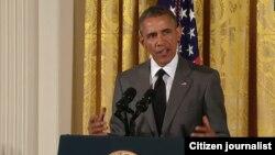 El presidente Barack Obama habla a jóvenes líderes asiáticos en la Casa Blanca.