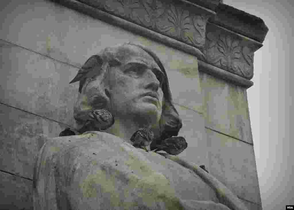 """Пам'ятник Колумбу. Більше фото у блозі Сергія Москальова """"Попутний вітер """"лицарям Храму""""."""