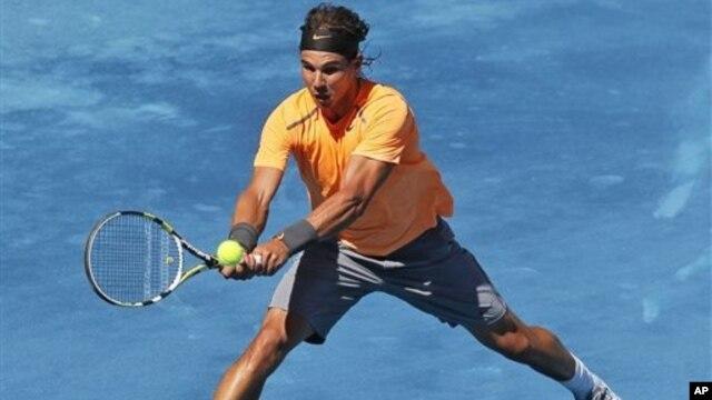 Setelah sembuh dari cedera lutut, Rafael Nadal mengumumkan partisipasinya dalam tiga turnamen dari empat turnamen ATP lapangan tanah liat di Amerika Latin bulan depan (foto: dok).
