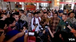 Presiden Indonesia mengunjungi Pasar Tanah Abang (2/1). Presiden optimis ekonomi Indonesia membaik pada tahun 2015 ini.