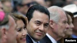 Presiden Guatemala Jimmy Morales (tengah) pada saat menghadiri peresmian Spanish Square di Guatemala City, Guatemala, 12 September 2017. (Foto:Dok)