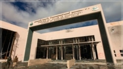 مجتمع منهدم شده «واقاه وقو» که میزبان نشست رهبران عرب و آفریقا در سرت بوده است. ۱۰ اکتبر ۲۰۱۱