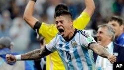 9일 열린 브라질 월드컵 준결승전에서 아르헨티나가 네델란드를 꺽고 월드컵 결승에 진출하게 된 후, 아르헨티나 선수단이 환호하고 있다.