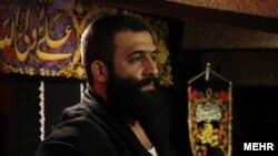 احمد قدمی، مداح اهانت کننده به اهل سنت