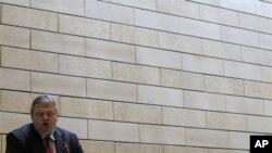Ο Υπουργός Οικονομίας, Ευάγγελος Βενιζέλος
