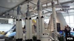 安加拉系列火箭模型。2013年8月莫斯科航展。