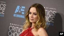 امیلی بلانت بازیگر ۳۳ ساله بریتانیایی نقش اصلی مری پاپینز جدید را خواهد داشت.